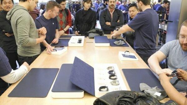 Гаджет Apple Watch поступил в розничную продажу