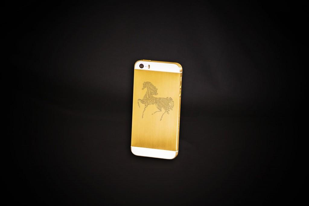 Удивительные iPhone 5s появились в России