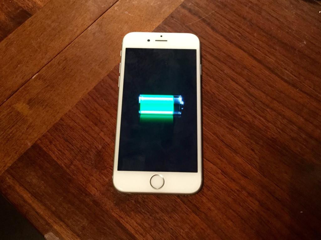 Как продлить заряд батареи айфона?