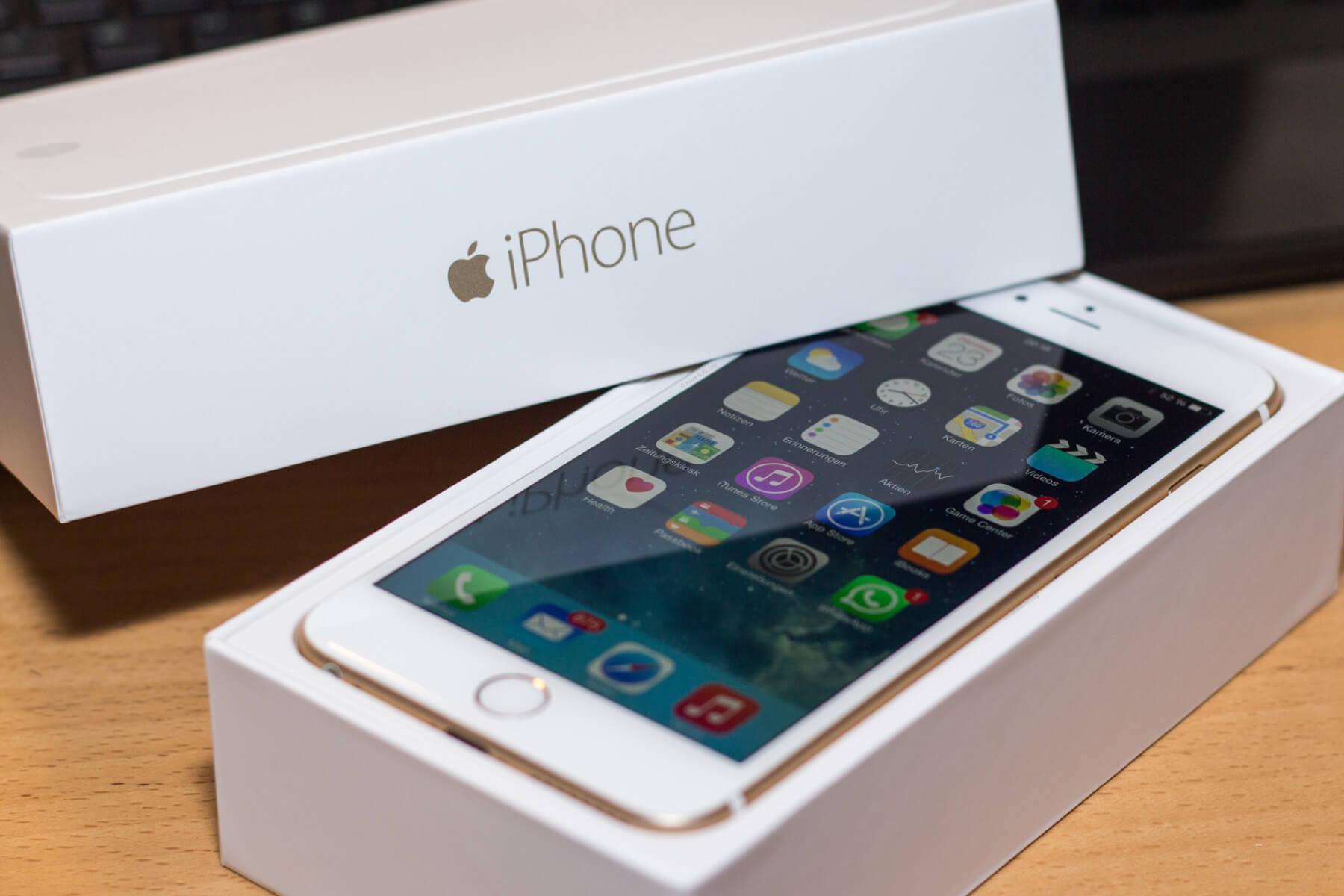 iPhone подорожали на 30-35%
