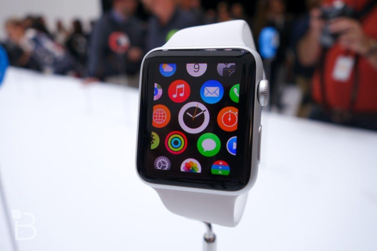 Apple Watch появятся на рынке уже в апреле