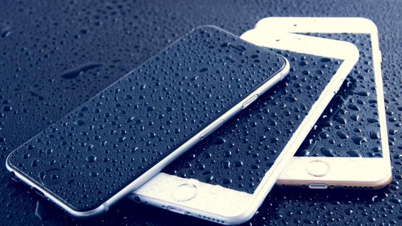 Мокрые устройства от Apple