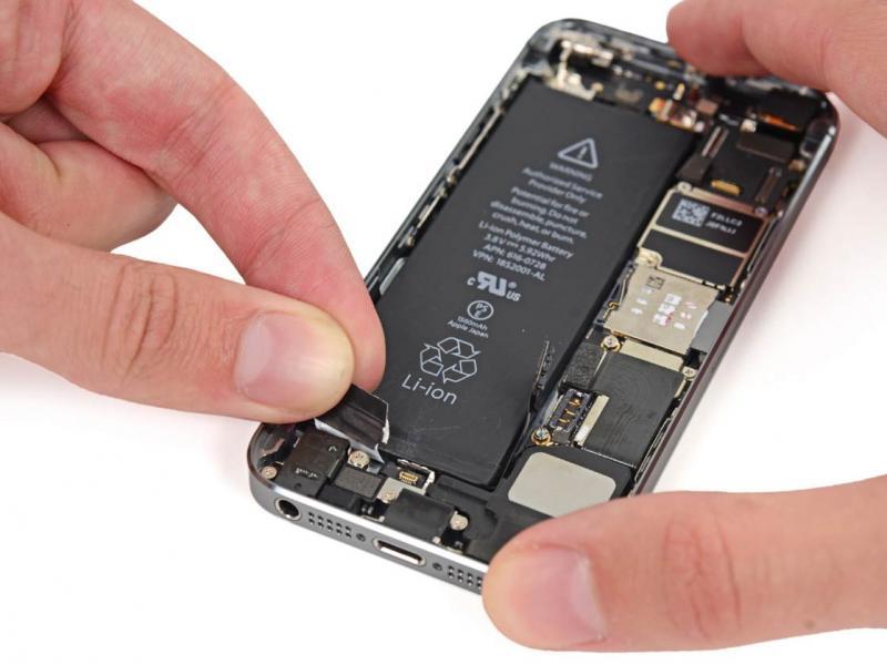 Как поменять аккумулятор на смартфонах Айфон 4, 4s, 5, 5s, 6, 6s